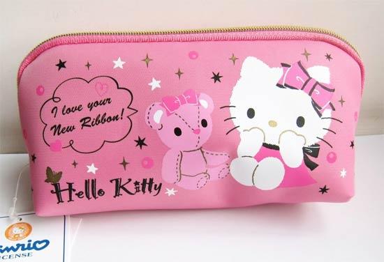Bolsinha necessaire para maquiagem da Hello Kitty