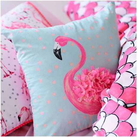 Tendência de decoração: Flamingos - almofada com estampa de flamingo