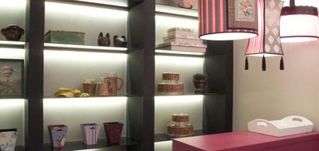 Loja do Lar Escola São Francisco em tons rosa - Casa Cor 2010