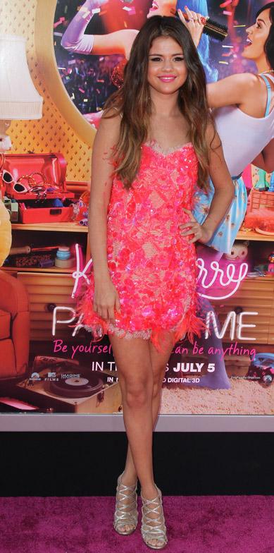 Batalha de Look rosa - Selena Gomez