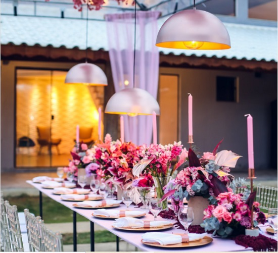 Ideias encantadoras e modernas de festa cor-de-rosa